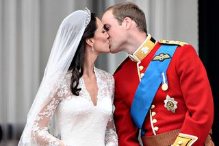 William-and-kate-kiss