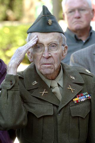 Veterans_bench_dedication098a_web