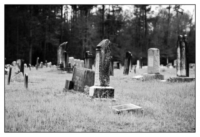 Graves-tombstone-grave-cemetery-headstones-death